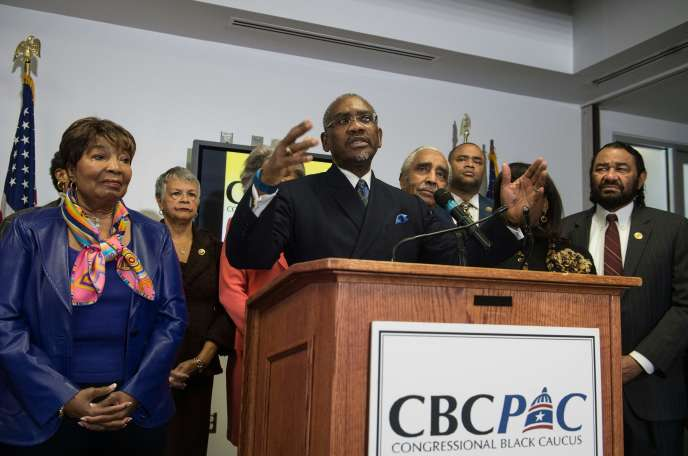 Gregory Meeks, représentant démocrate de New York et président du CBC PAC, a expliqué que ce soutien provenait d'élus « qui sont issus de la rue, pas de l'establishment », ajoutant qu'il ne s'agissait pas d'un soutien du CBC dans son entier.
