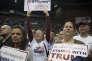 « Le précariatsoutient Donald Trump aux Etats-Unis, Marine Le Pen en France, l'UKIP et l'extrême droite conservatrice en Grande-Bretagne»(Photo: meeting de soutien à Donald Trump au Centre Pensacola en Floride, le mercredi 13 janvier).
