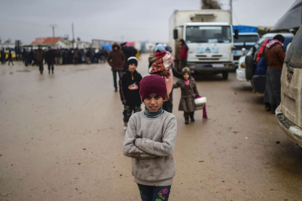 « Nous estimons qu'il y a 31 000 nouveaux déplacés dont 80 % de femmes et d'enfants », calcule Linda Tom, porte-parole de l'ONU pour les affaires humanitaires, à propos des Syriens bloqués dans la localité syrienne de Bab al-Salama.
