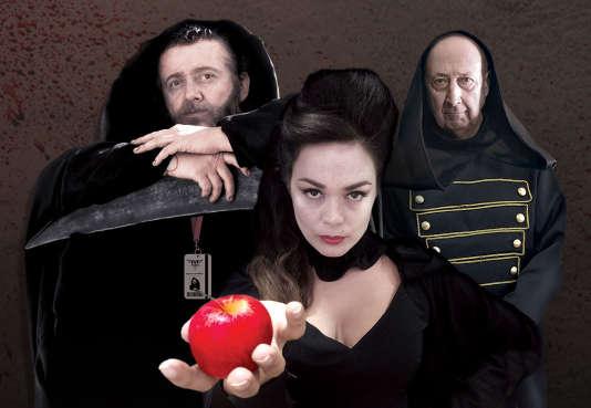 """Gaspard Chambon (Fred SAUREL), M. Blandin (André PENVERN) et Miss Poitou (Lola DEWAERE) dans la série web """"Mortus Corporatus""""."""