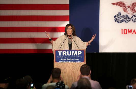 Sarah Palin lors d'un meeting de soutien à Donald Trump,  le 1er février 2016 dans l'Iowa.