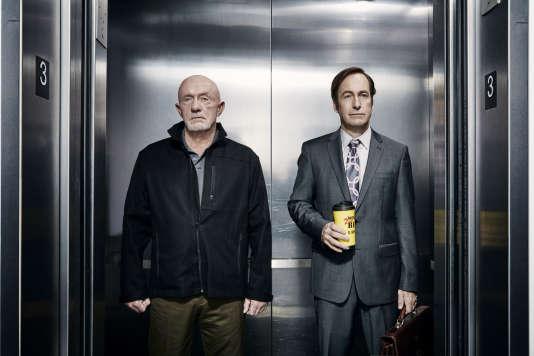 Mike Ehrmantraut (Jonathan Banks)  et Jimmy McGill (Bob Odenkirk), deux des personnages principaux de « Breaking Bad» que l'on retrouve dans la série dérivée «Better Call Saul».