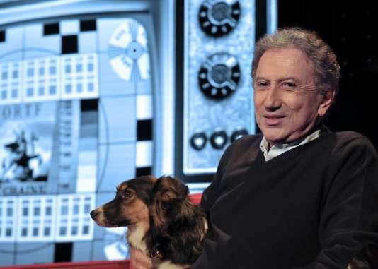 Michel Drucker s'est lancé dans le one-man-show et parcourt actuellement la France avec son spectacle «Seul… avec vous», dans lequel il raconte les coulisses de son métier.