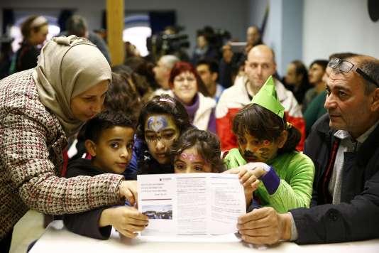 Une famille syrienne originaire de Palmyre dans le camp de réfugiés de Mayence, en Allemagne, le 1er février 2016.