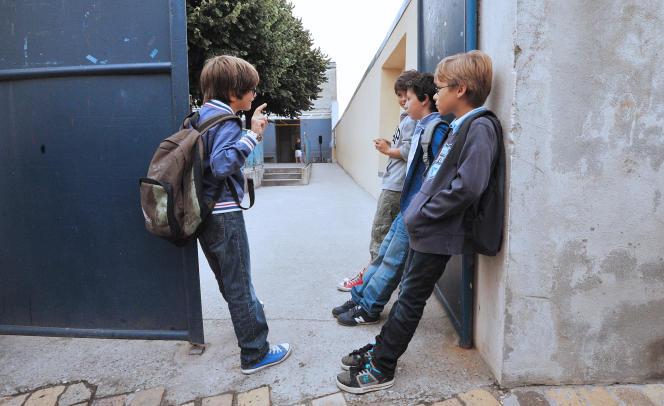 Des élèves d'une école de Bordeaux, le 4 septembre 2012.
