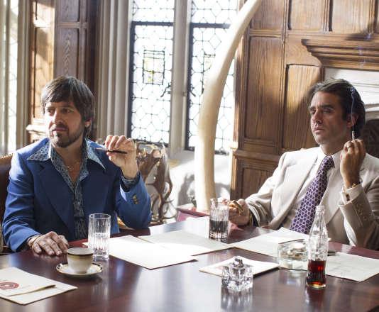 Ray Romano dans le rôle de Zak Yankovich et Bobby Cannavale dans le rôle de Richie Finestra