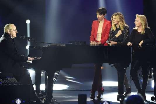 William Sheller, Jeanne Cherhal, Louane et Véronique Sanson lors des Victoires de la musique au Zénith de Paris,  le 12 février 2016.