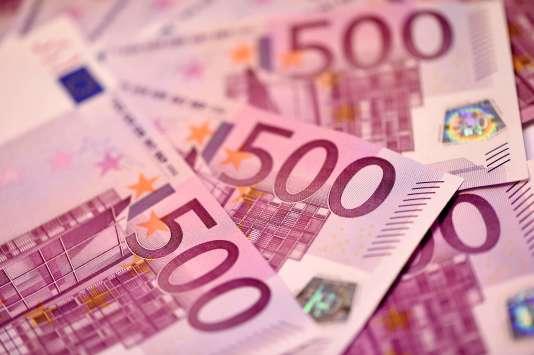 """""""L'idée de la suppression de la monnaie « manuelle » illustre avant tout le désarroi de nos gouvernants face à l'inefficacité des politiques monétaires « accommodantes » mises en place depuis 2008 aux Etats-Unis et 2011 en Europe""""."""