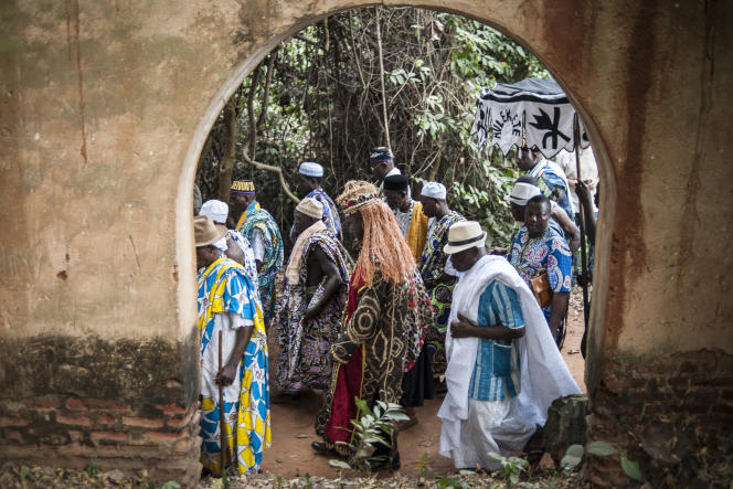 Célébration vaudou, le 10 janvier 2015, à Ouidah. La ville, un des centres de cette religion, l'a exportée dans les Amériques par la traite des esclaves.