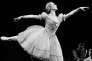 """En octobre 1972 à Paris, la ballerine Violette Verdy interprète """"Giselle""""."""