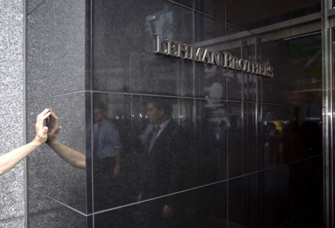 En2008, ce fut la chute de la banque américaine Lehman Brothers qui mis la feu aux poudre et entraîna la crise