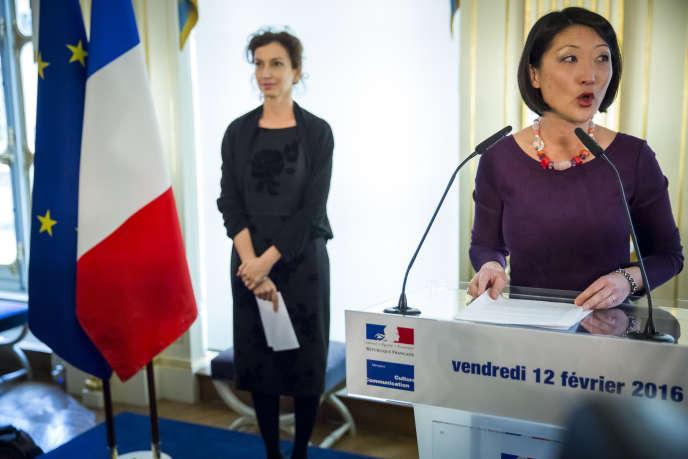 Passation des pouvoirs au ministère de la culture, à Paris, entre Fleur Pellerin et Audrey Azoulay, le 12février 2016.