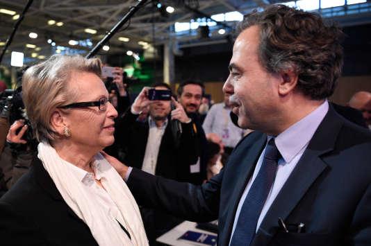 Michèle Alliot-Marie et Luc Chatel, le nouveau président du conseil national des Républicains à Paris samedi 13 février.