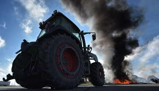 Lors d'une manifestation d'agriculteurs à Vendenheim, dans le Bas-Rhin, le12février2016.
