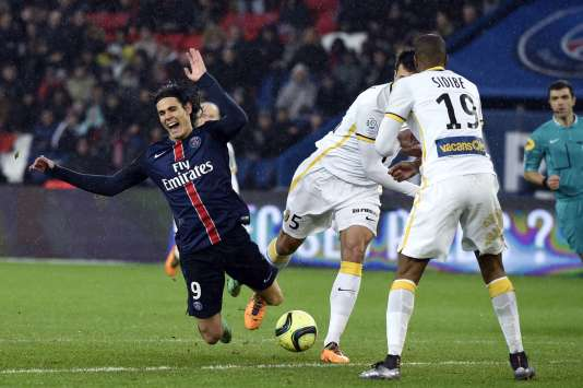 L'attaquant du PSG Edinson Cavani face à Lille, le 13 février 2016.