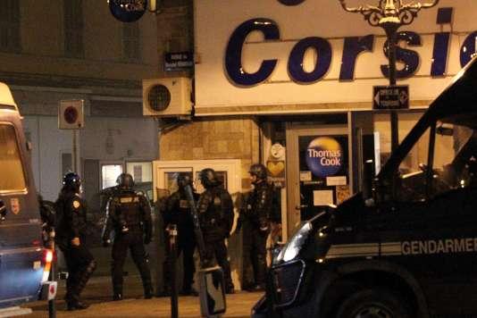 Des incidents ont éclaté à Bastia, le 14 février, après la détention en garde à vue de huit supporteurs bastiais à Reims.