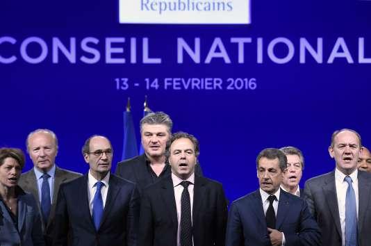 Luc Chatel (au centre) a été élu samedi président du conseil national des Républicains.