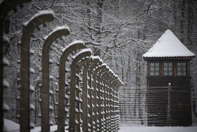 Sur le site de l'ancien camp d'extermination d'Auschwitz-Birkenau, en janvier 2015.
