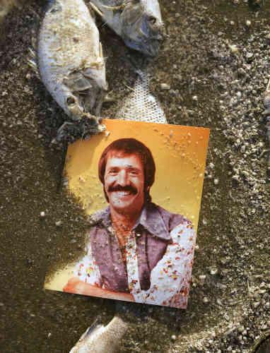 Sonny Bono, du duo Sonny & Cher, maire de Palm Springs de 1988 à 1992, fut l'un des premiers à dénoncer le désastre écologique qui s'annonçait.