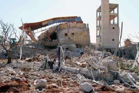 Ce qu'il reste de l'hôpital tenu par MSF dans la province du nord de la Syrie, après le bombardement le 15 février.