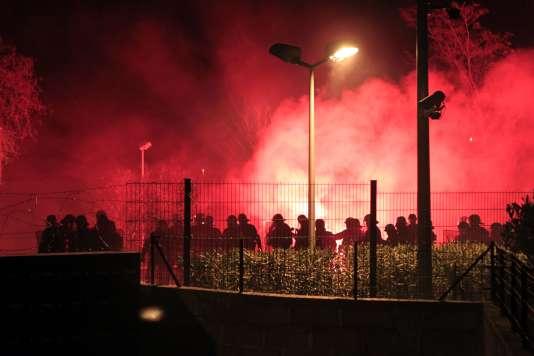 Arrivée de la police à Corte après une manifestation d'étudiants.