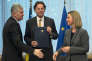 Le président du collège présidentiel de Bosnie, Dragan Covic (à gauche), le ministre des affaires étrangères néerlandais, Bert Koenders (au centre), et la haute représentante pour la politique extérieure de l'Union européenne, Federica Mogherini, le 15 février, à Bruxelles.
