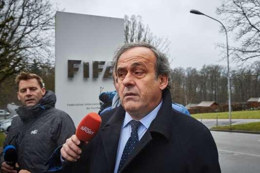 Michel Platini avant son audience en appel au siège de la FIFA à Zurich, le 15 février.
