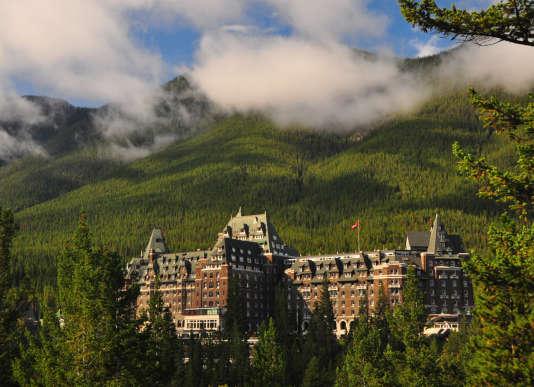 """Un immense hôtel, perdu dans la forêt, et quelques spectres au détour d'un couloir… """"Shining"""" pour de vrai."""