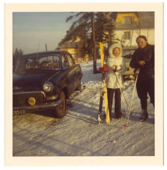 Karol Wojtyla qui était un fervent adepte du ski, en compagnie de Anna-Teresa Tymieniecka.