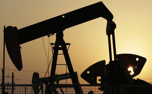 Un puits de pétrole au Bahreïn, en septembre 2015.