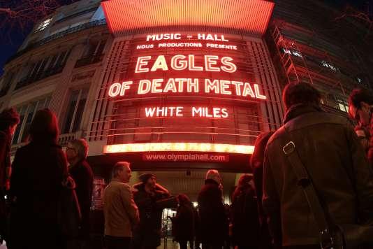 La façade de l'Olympia avant le concert d'Eagles of Death Metal à Paris, le 16 février 2016.