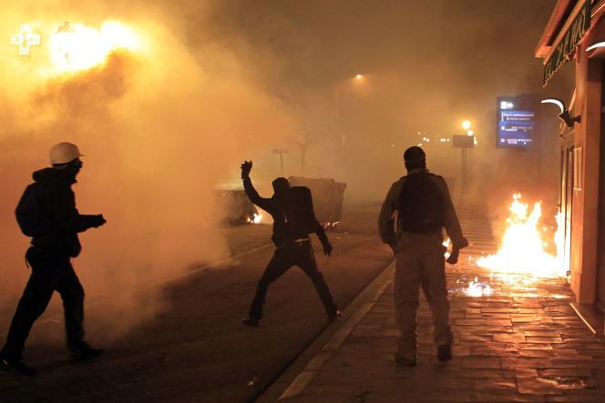 Heurts entre des manifestants et les forces de l'ordre à Corte, mardi 16 février.