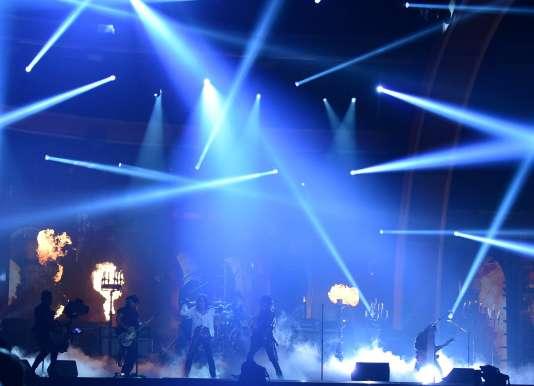 The Hollywood Vampires lors de la 58e cérémonie des Grammy Awards à Los Angeles, le 15 février.