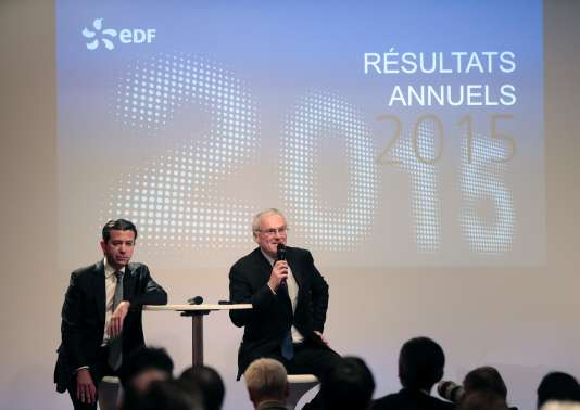 Thomas Piquemal, alors directeur financier d'EDF (à gauche) et Jean-Bernard Levy le patron du groupe, lors de la présentation des résultats de l'entreprise, le 16 février. M. Piquemal a démissionné le 3 mars.