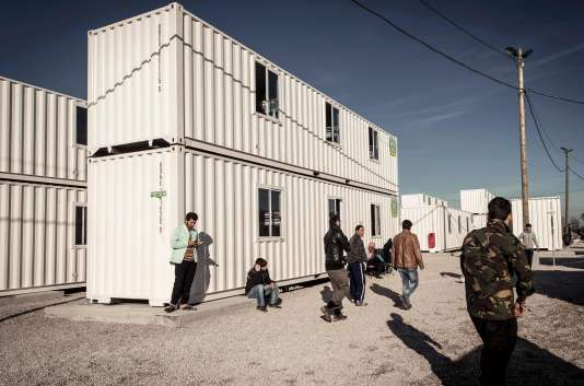 125 conteneurs peuvent accueillir 1 500 migrants dans le centre d'accueil provisoire de Calais.