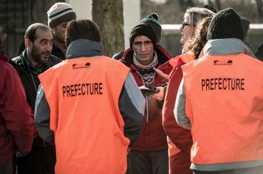 Dans leur lettre à François Hollande, les Calaisiens demandent «de donner des conditions de vie décentes aux réfugiés».