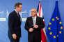 Le premier ministre britannique, David Cameron (à gauche), et le président de la Commission européenne, Jean-Claude Juncker, à Bruxelles, le 16 février.