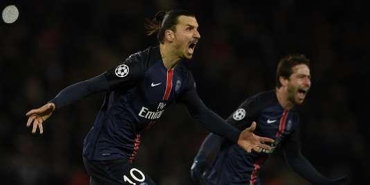 Zlatan Ibrahimovic célèbre son but face à Chelsea, le 16 février.