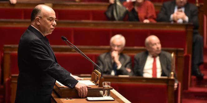 Le ministre de l'intérieur, Bernard Cazeneuve, à l'Assemblée nationale le 16 février 2016.