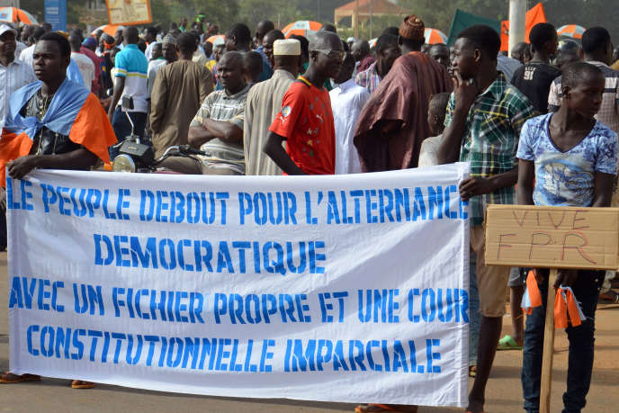 Des militants de l'oppposition lors d'une manifestation à Niamey, le 1er novembre 2015.