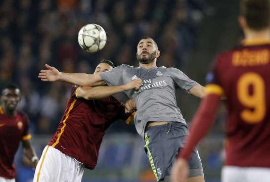 Le 10 décembre, Karim Benzema a été suspendu de l'équipe de France. Il ne participera pas à l'Euro 2016 de football.