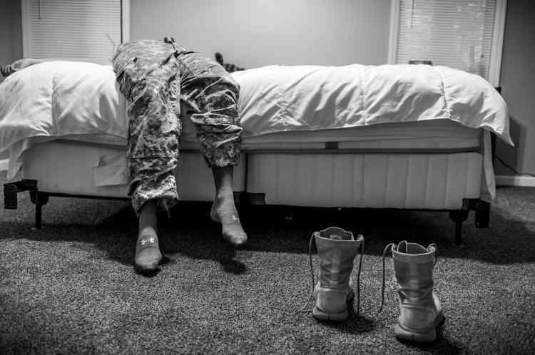 """Premier prix, catégorie """"Projets au long cours"""". La photographe américaine Mary F. Calvert a été récompensée pour son projet documentaire consacré aux violences sexuelles dans l'armée américaine. L'image montre Natasha Schuette, 21 ans, violée par l'un de ses supérieurs hiérarchiques."""