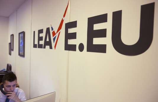 """Dans les locaux de l'organisation """"Leave.eu"""", une des organisations qui milite pour le «Brexit», à Londres, le 12 février 2016."""