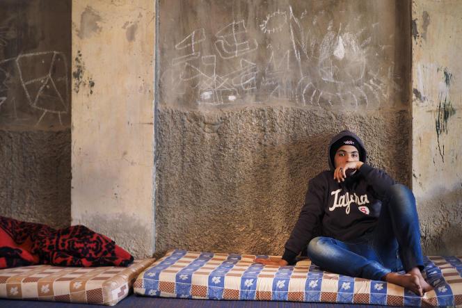 Un réfugié libyen originaire de Syrte, le 23 janvier à Misrata, à 230 kilomètres de là.