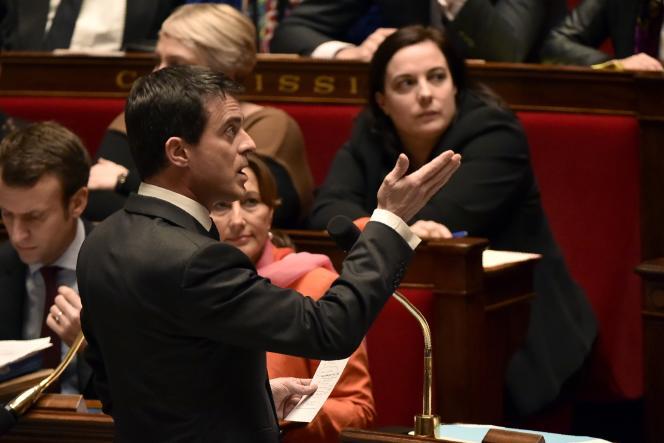 Manuel Valls àl'Assemblée nationale, le16 février, lors du vote sur la prolongation de l'état d'urgence.