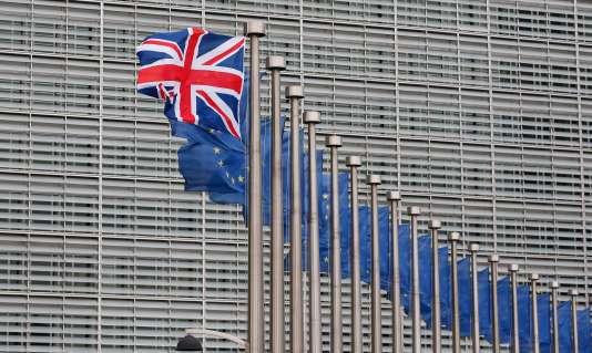 L'Union Jack, le drapeau du Royaume-Uni,  flotte sur le parvis de la Commission européenne, à Bruxelles, le 29 janvier.