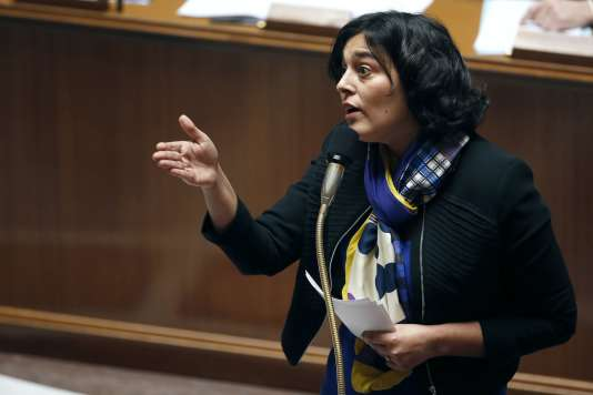 La ministre du Travail, Myriam El Khomri, répond aux questions posées au gouvernement à l'Assemblée nationale, le 17 février.