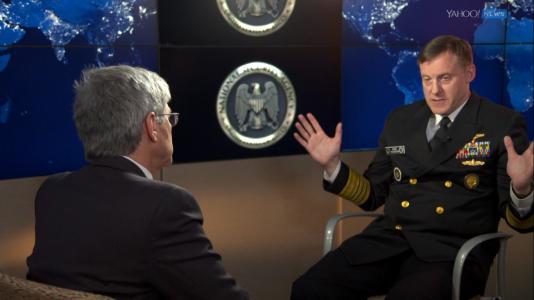 Michael Rodgers, patron de la National Security Agency (NSA) américaine, lors d'une interview accordée à Yahoo! News mercredi 17 février 2016.