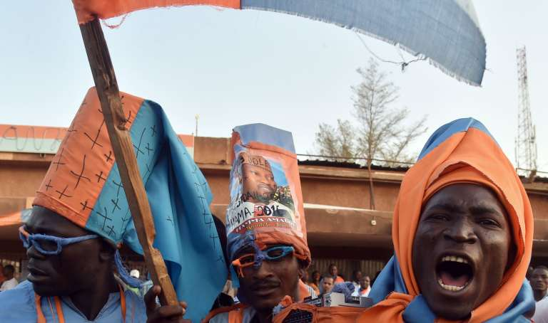 Des partisans de l'opposant nigérien Hama Amadou le 18 février 2016 à Niamey.