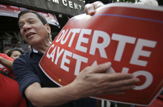 Rodrigo Duterte à Quezon, dans la banlieue de Manille, le 18 février.